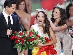 Picutre of Miss America being crowned